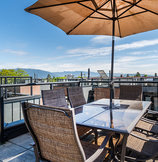 Mount Pleasant Townhome with Gorgeous Rooftop Patio :: 2781 Guelph Street